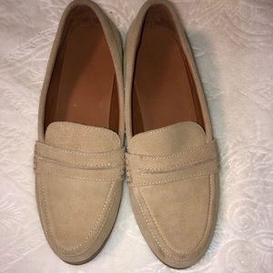 Shoes - Women's brown loafers